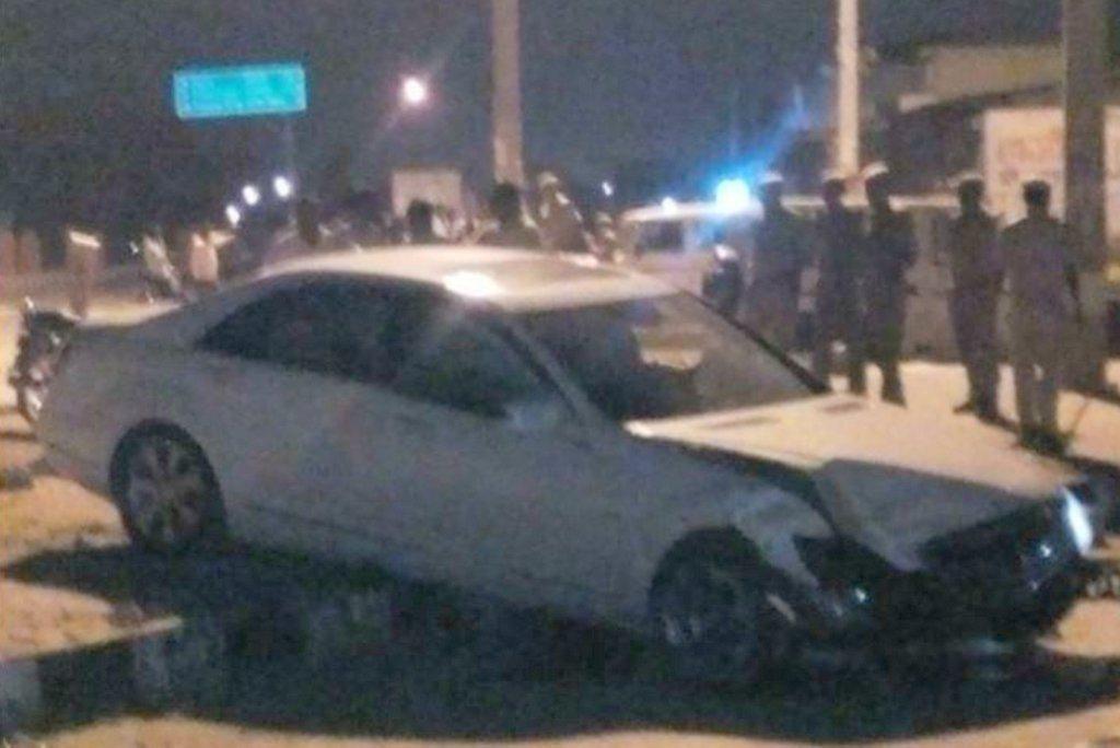 Hema malini crash mercedes benz