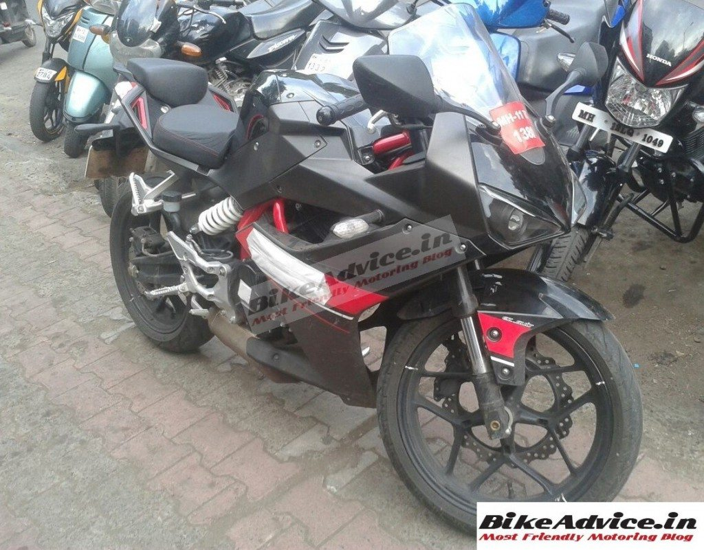 Hyosung-GD250R-spyshot-in-India