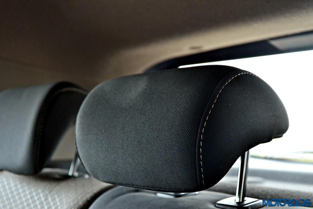 Hyundai Creta rear seat headrests (1)