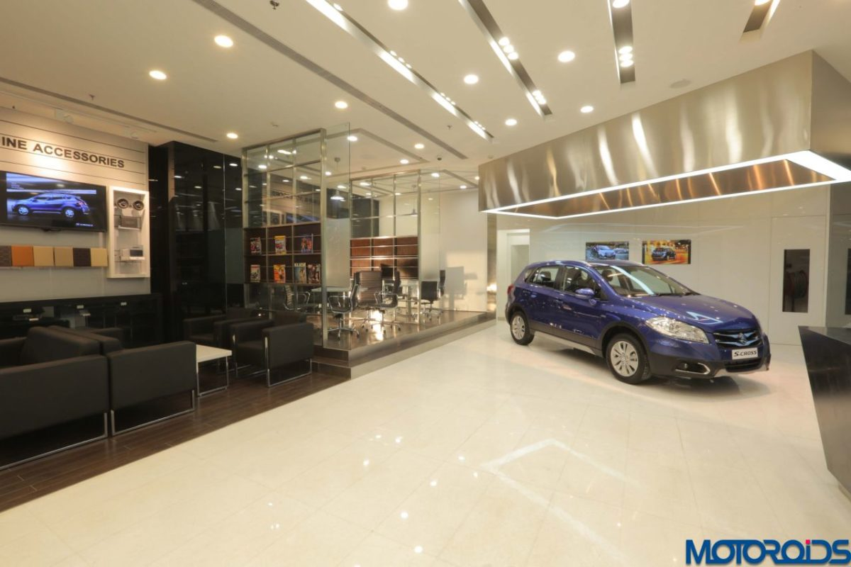 Maruti Suzuki NEXA showroom interior (1)