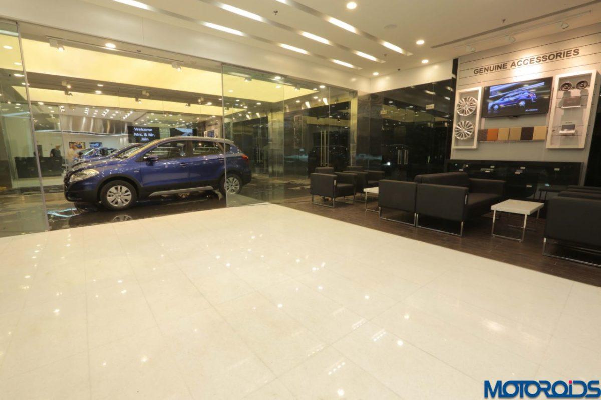 Maruti Suzuki NEXA showroom interior (6)