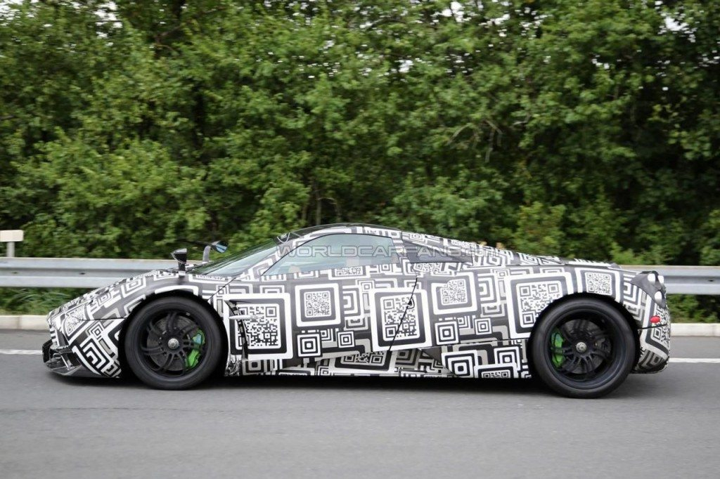 New Pagani Huayra test mule spied side