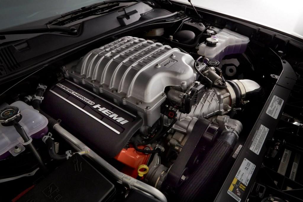 One off 800bhp Dodge Challenger Hellcat engine