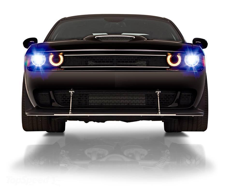 One off 800bhp Dodge Challenger Hellcat front