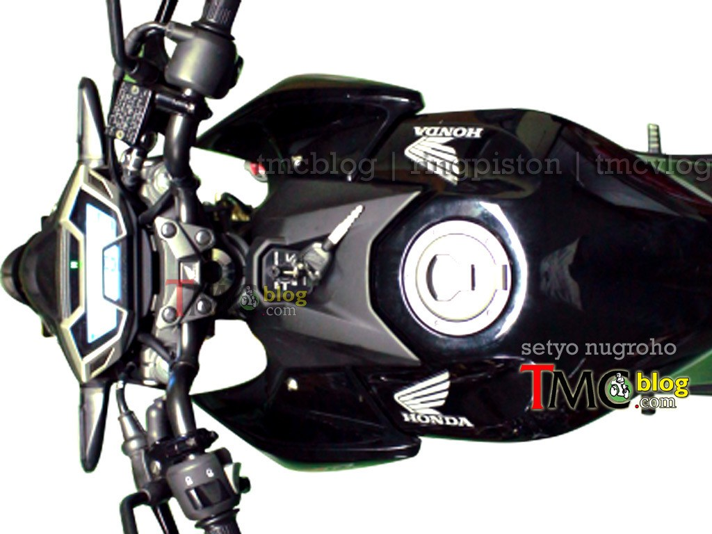 Upcoming-2016-Honda-CB150R- Leaked Images - 2