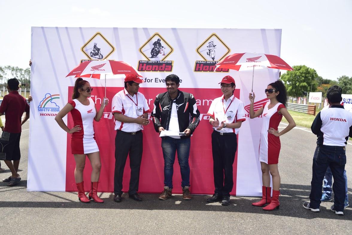 honda-one-make-race-2015-2