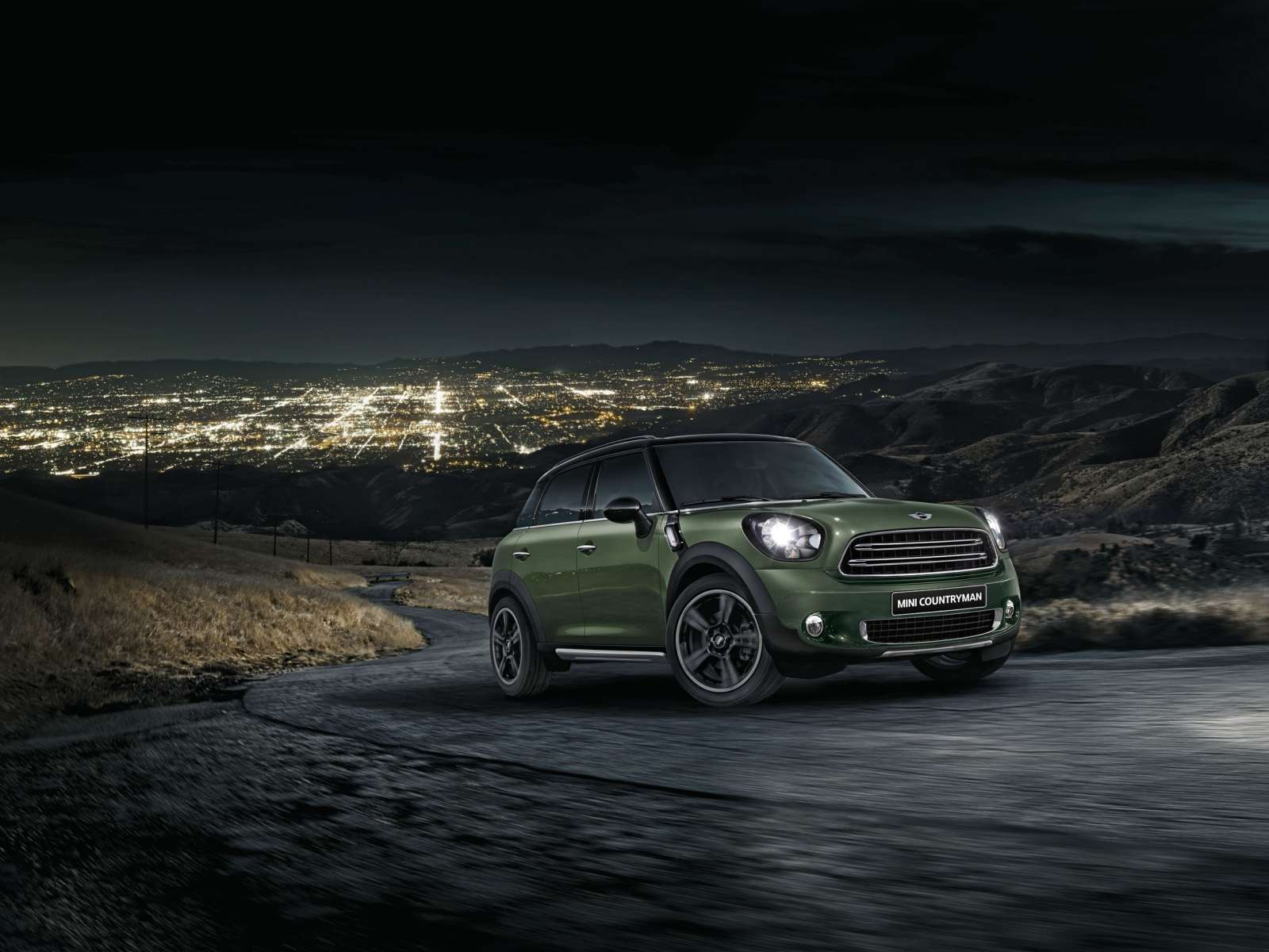 new mini countryman launched in india starts at inr 3 650 000 motoroids. Black Bedroom Furniture Sets. Home Design Ideas