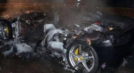 20-year old burns Ferrari (2)
