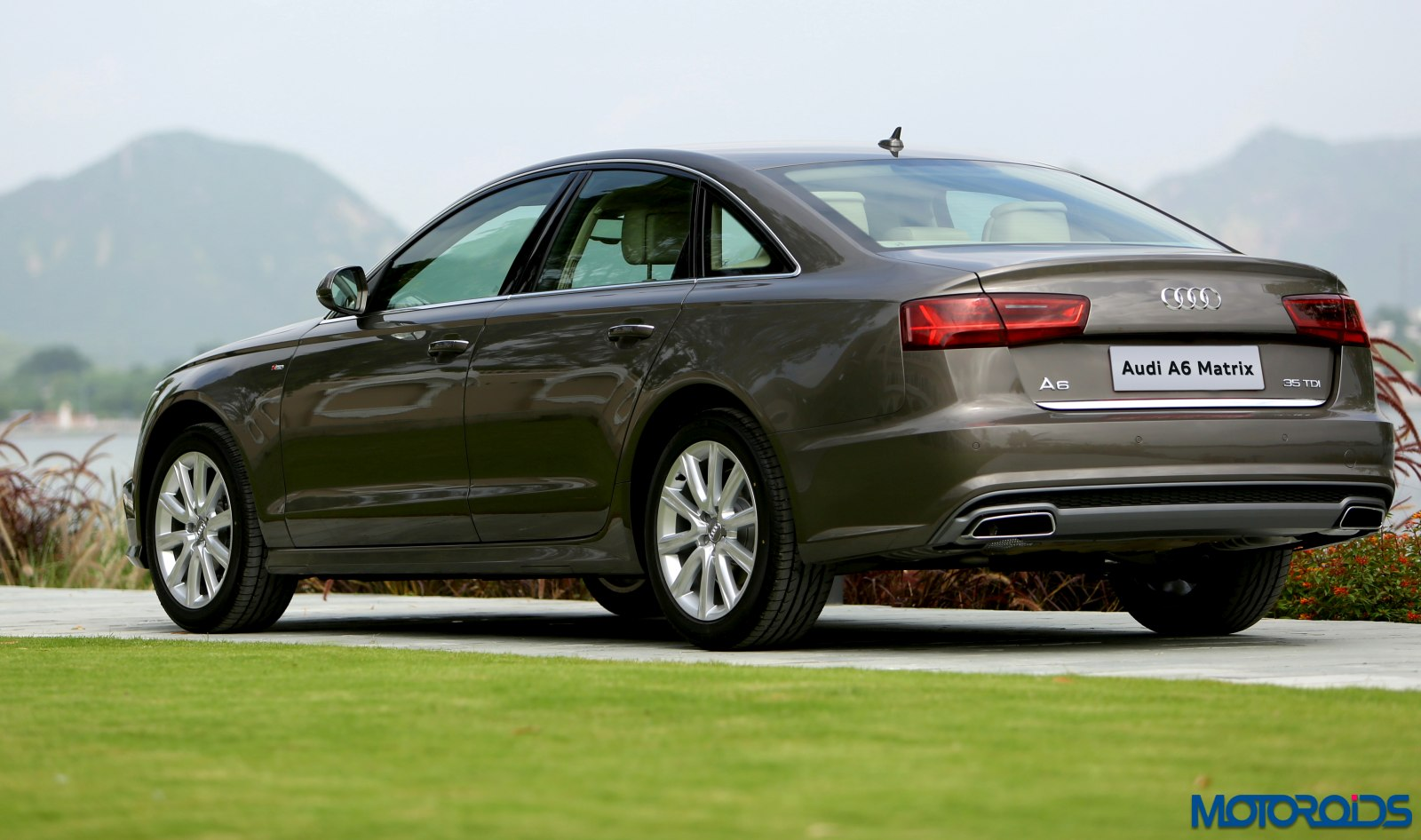 2015 audi a6 matrix facelift india review. Black Bedroom Furniture Sets. Home Design Ideas
