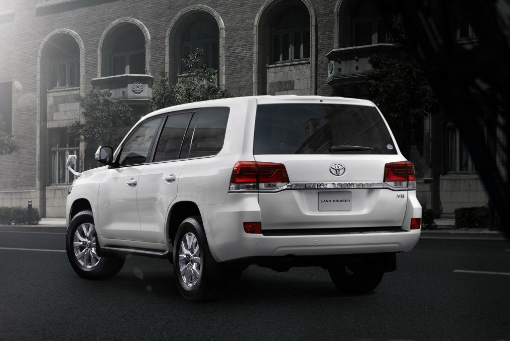 2015 Toyota Land Cruiser 200 (9)