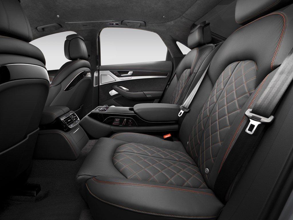 Audi S8 Plus (23)