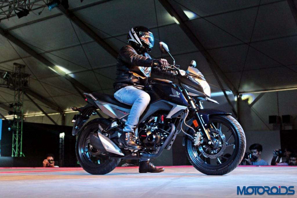Honda CB Hornet 160 - RevFest 2015 (42)