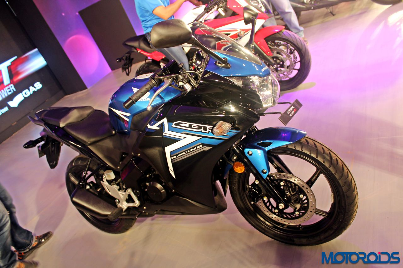 Yamaha Yzf R15 Vs Honda Cbr150r Suzuki Gixxer Sf Tech Spec 2016 Comparo