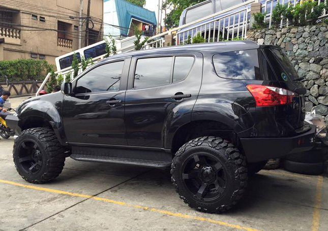 This Isuzu MU-X from Philippines is out there to kill | Motoroids