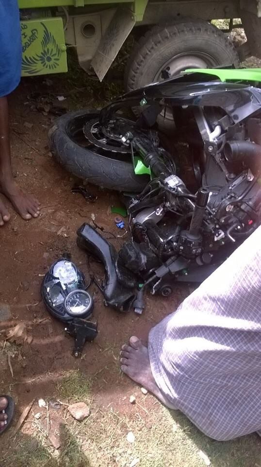 Kawasaki Ninja ZX14R Crashed in Chennai - 1