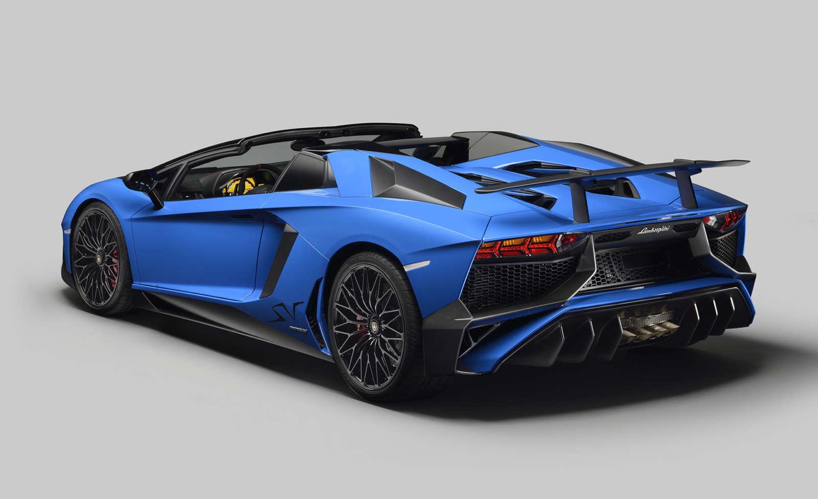 Lamborghini Aventador LP 750 4 Superveloce Roadster 5