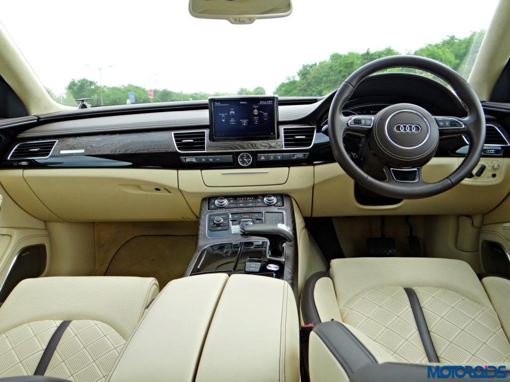 New 2015 Audi A8 L dashboard (2)
