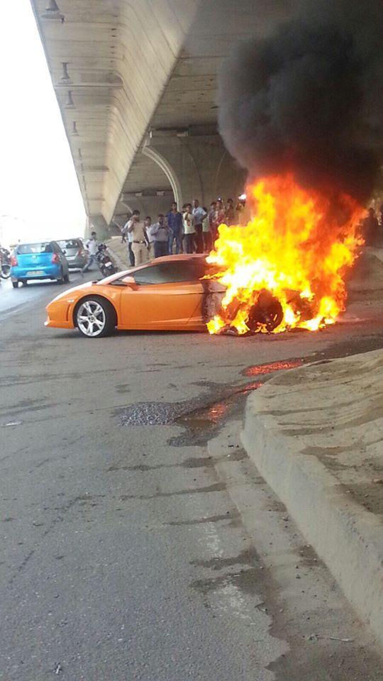 Video Lamborghini Gallardo Lp 560 4 Catches Fire In New