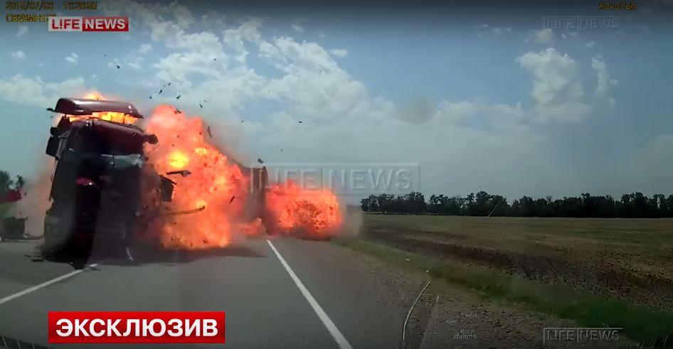 truck-collision-explosion-russia