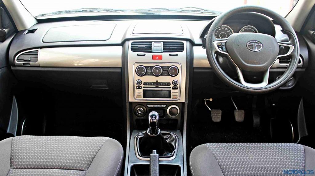 2015 Tata Safari Storme interiors (21)