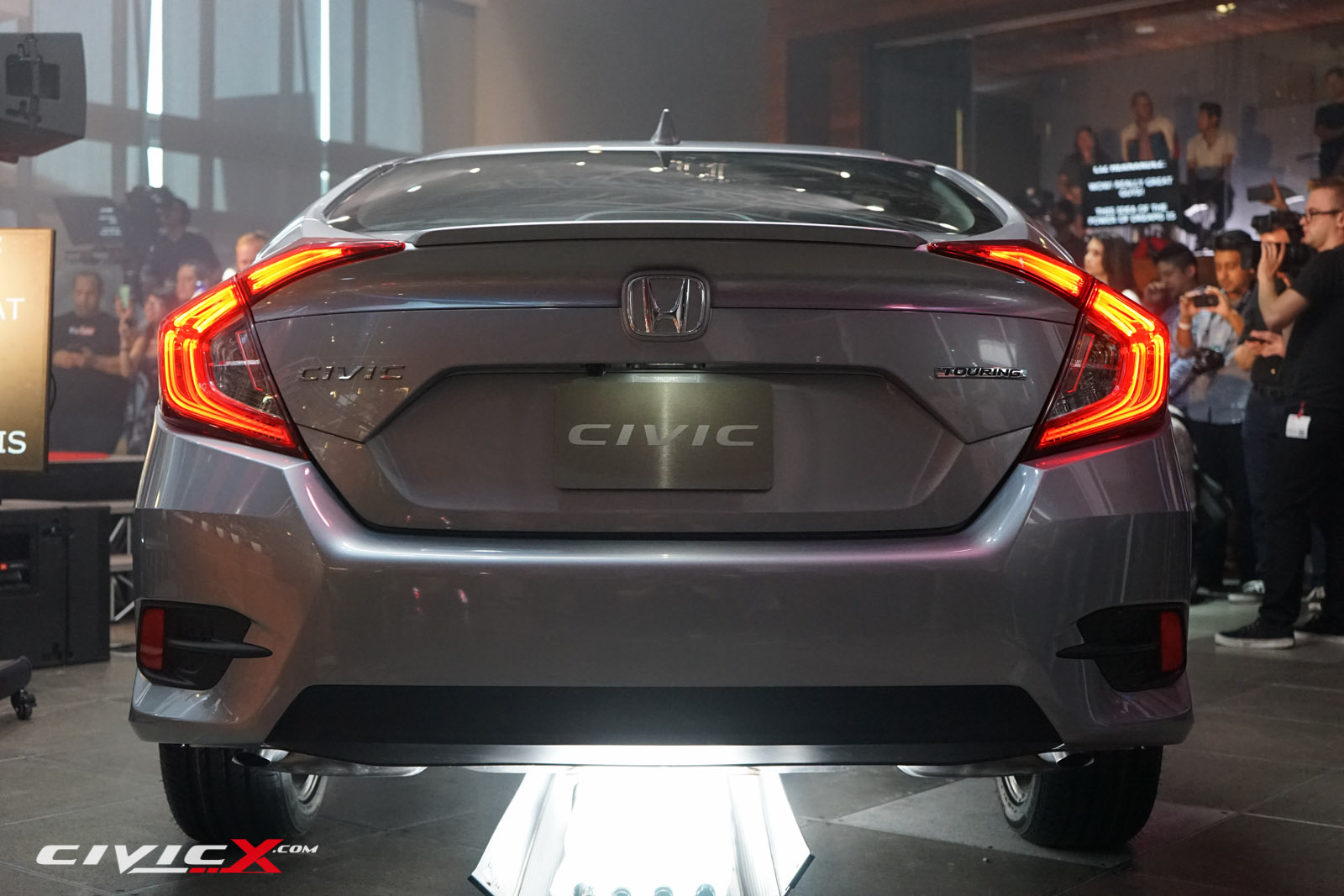 Live images new honda civic looks fit in the flesh for New honda civic 2016
