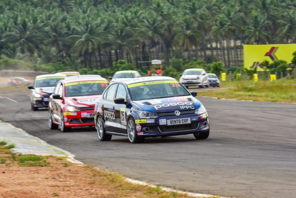 Anindith Reddy leads the pack in Race 1 of Round 2 of Volkswagen Vento Cup 2015