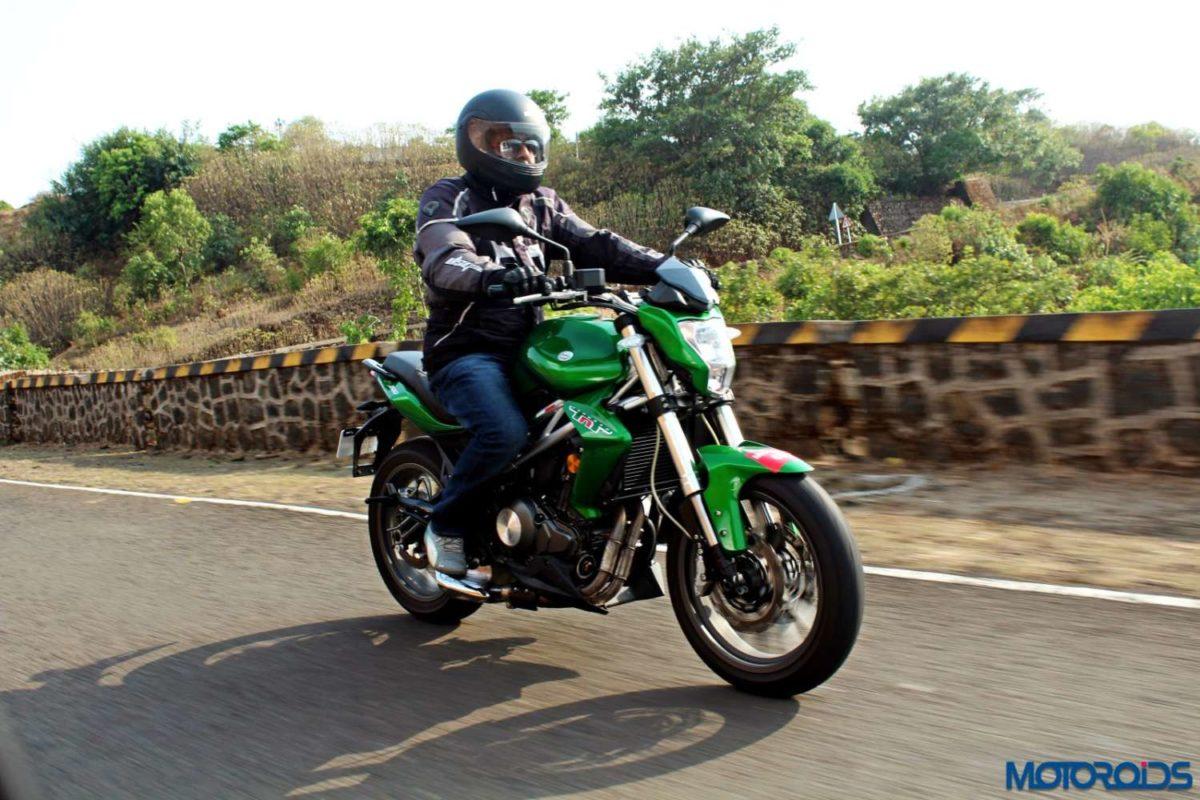 Benelli TNT300 riding shot (20)
