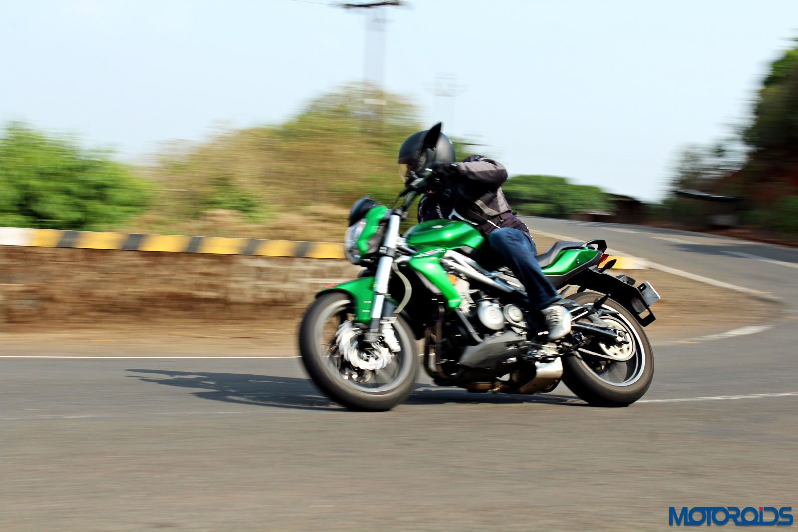Benelli TNT300 riding shot (5)