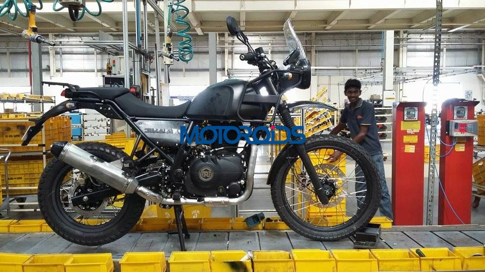 EXCLUSIVE - Royal Enfield Himalayan Spied on Production Line - 1 (1)