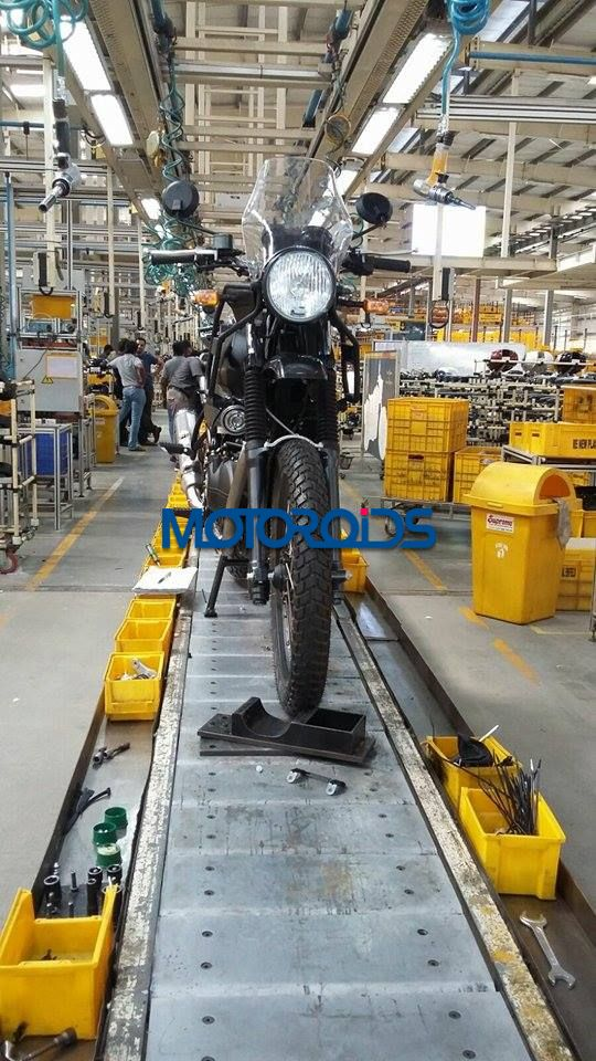 EXCLUSIVE - Royal Enfield Himalayan Spied on Production Line - 1 (2)