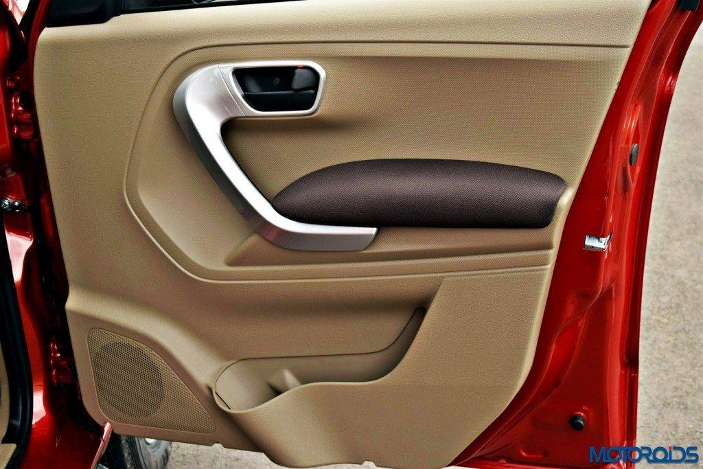 Mahindra TUV 300 interior images (14)