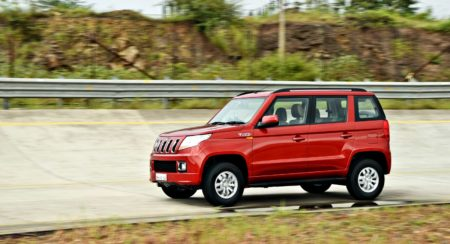 Mahindra TUV300 RED action (2)