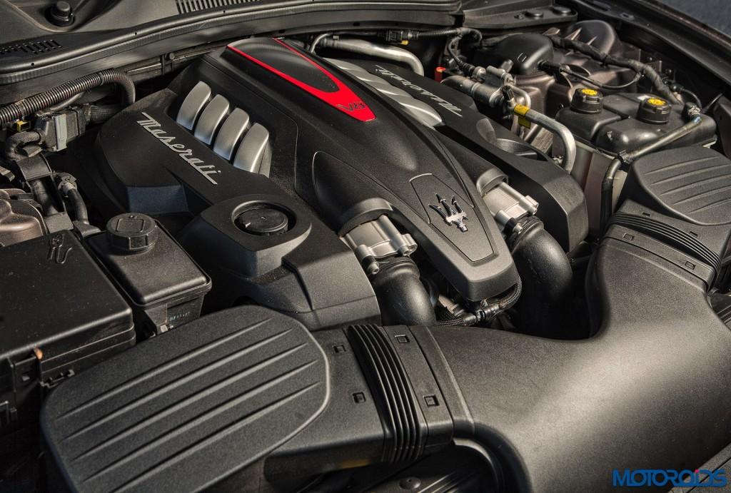Maserati Quattroporte GTS engine (2)