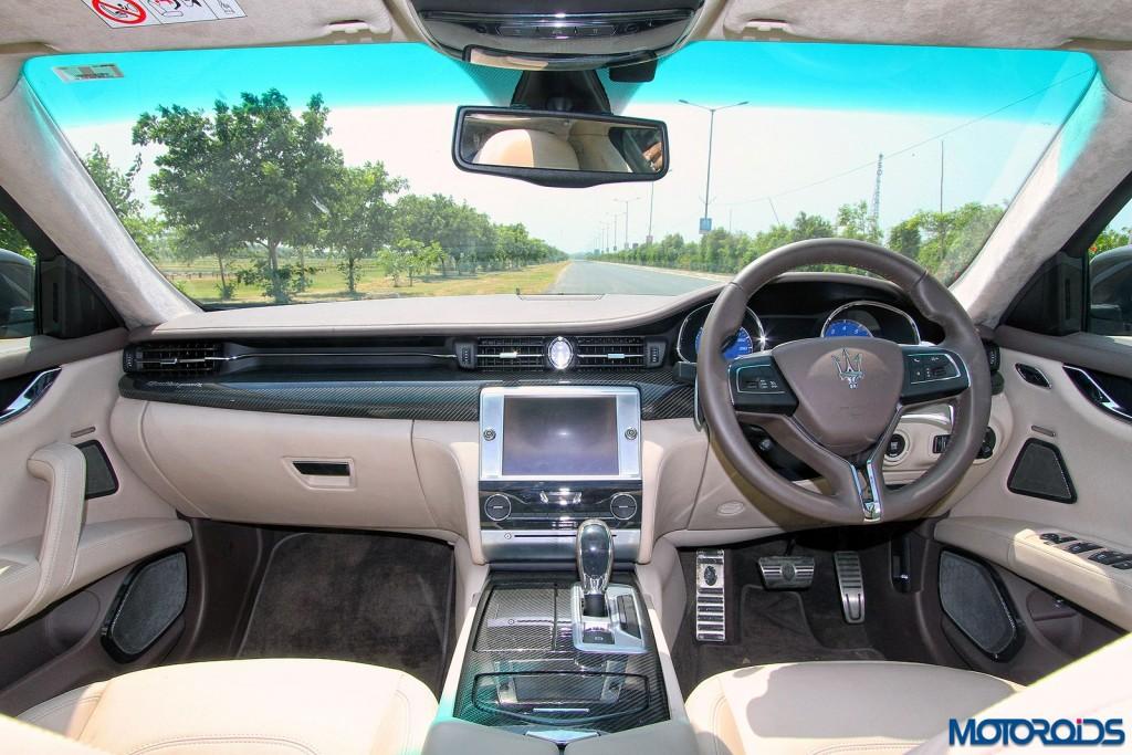 Maserati Quattroporte GTS instrument console dashboard