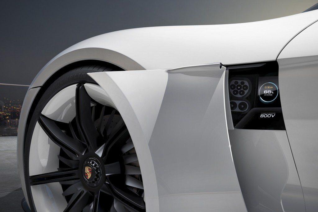 Porsche Mission E Concept (9)