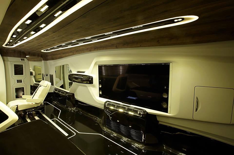 Shah Rukh Khan's new Vanity Van by DC Design (1)