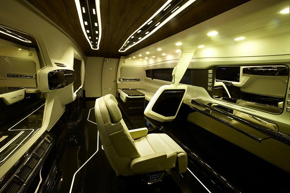 Shah Rukh Khan's new Vanity Van by DC Design (10)