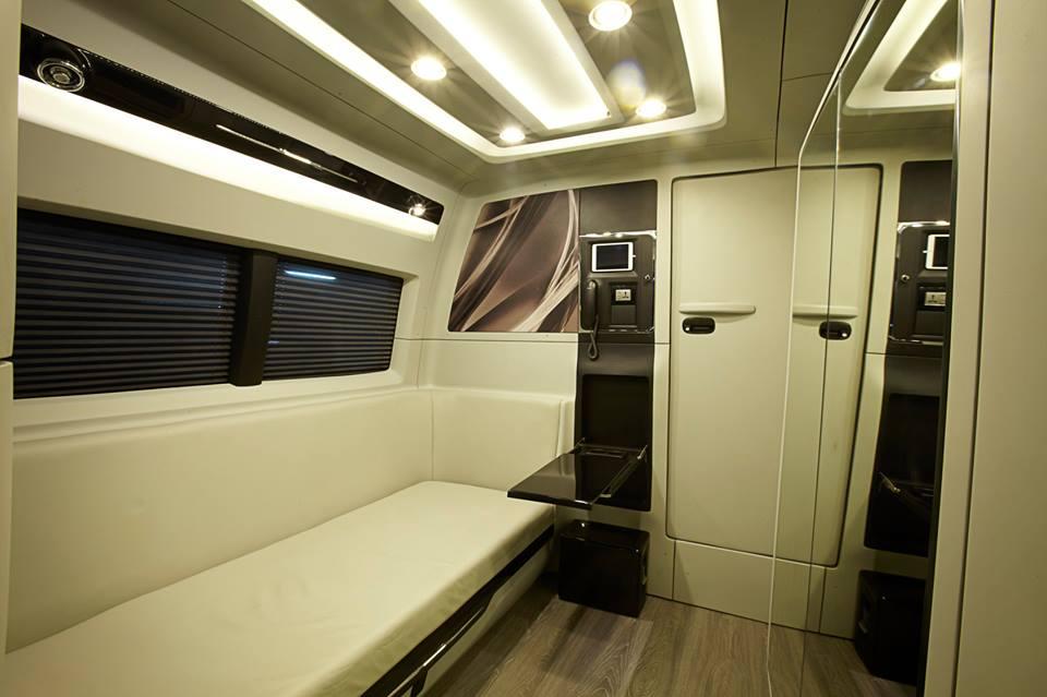 Shah Rukh Khan's new Vanity Van by DC Design (12)