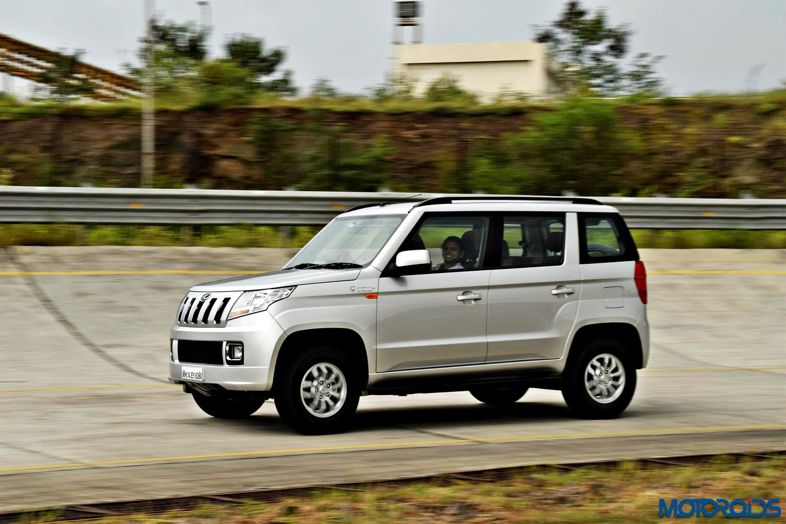 Mahindra Tuv 300 Review Tough Little Guy Motoroids