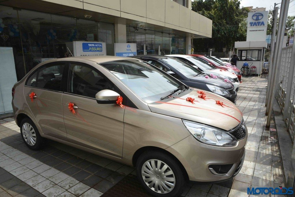 Tata Motors delivers 1100 passenger vehicles in one day (3)
