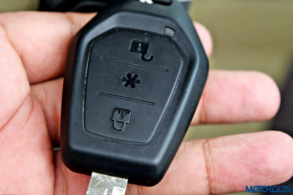 mahindra TUV 300 keys (2)