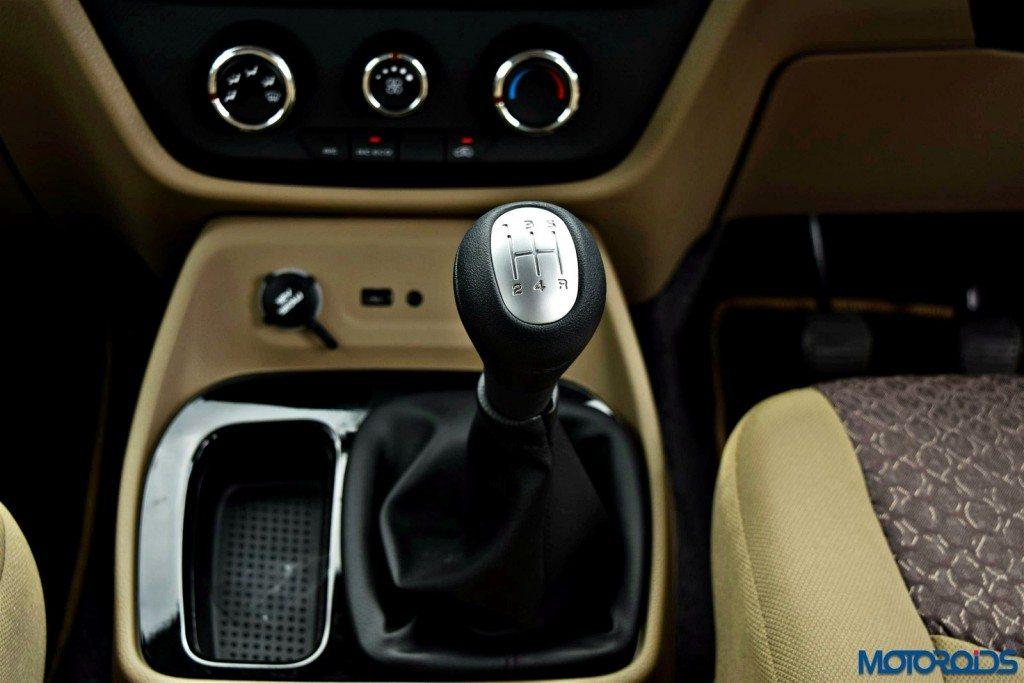 mahindra tuv300 gear shifter