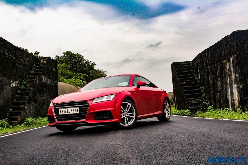 new 2015 Audi TT 2.0 tfsi front (2)