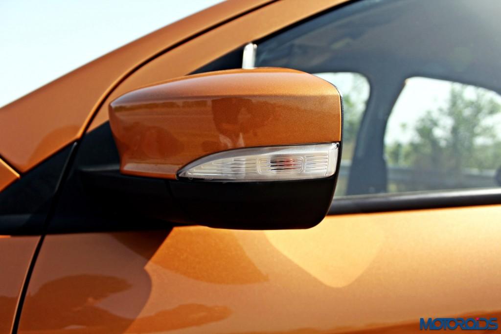 new 2015 Ford Figo ORVM