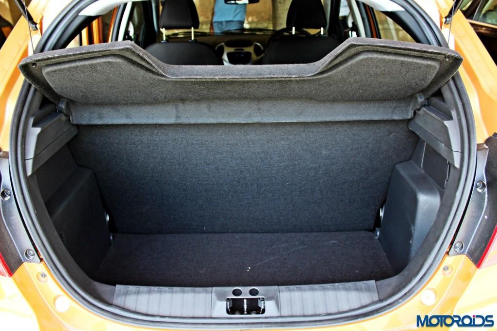 new 2015 Ford Figo boot (2)