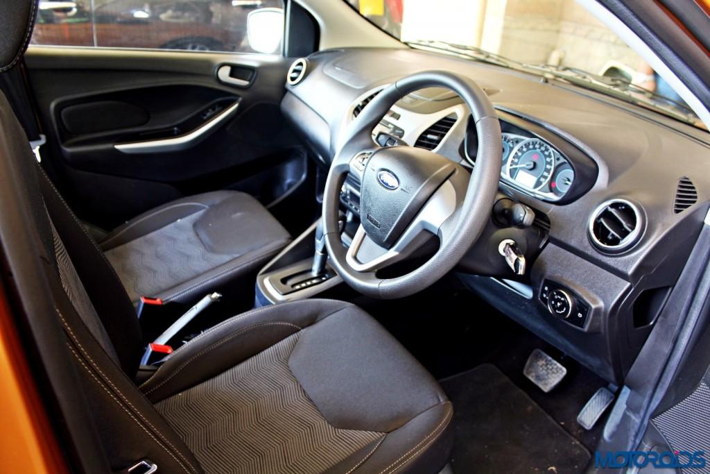 new 2015 Ford Figo dashboard (1)
