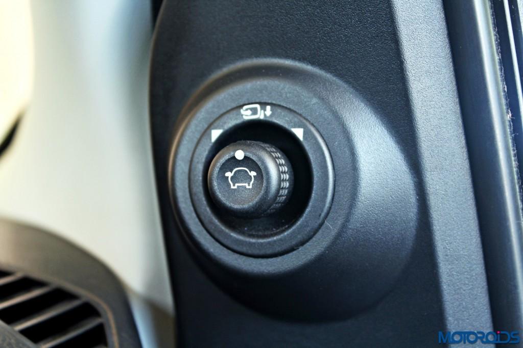 new 2015 Ford Figo power mirror controls