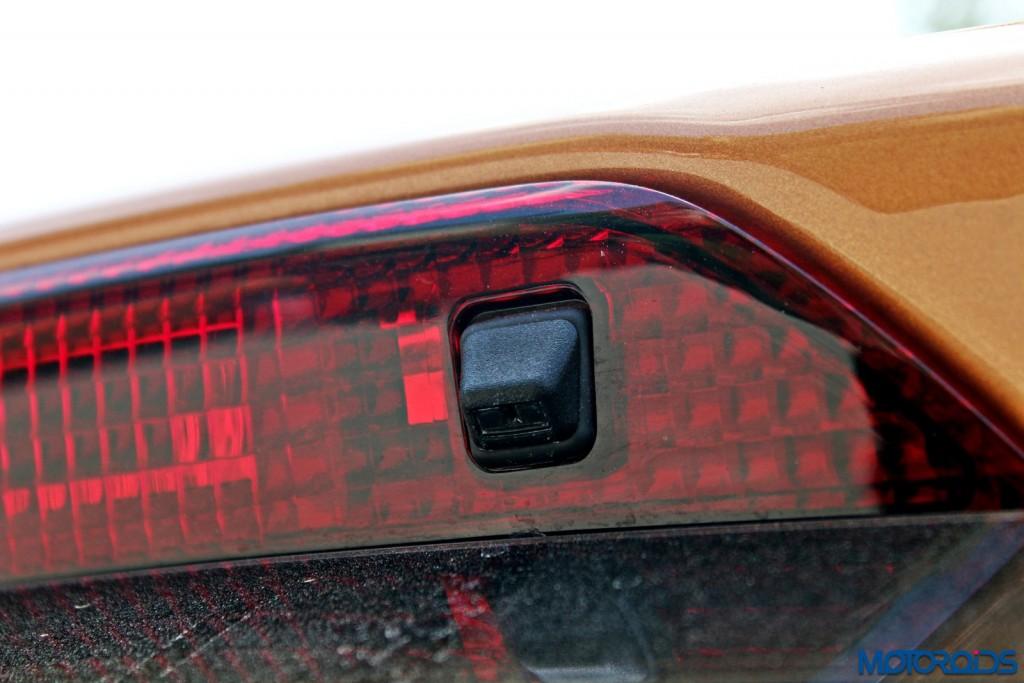 new 2015 Ford Figo rear wiper spray