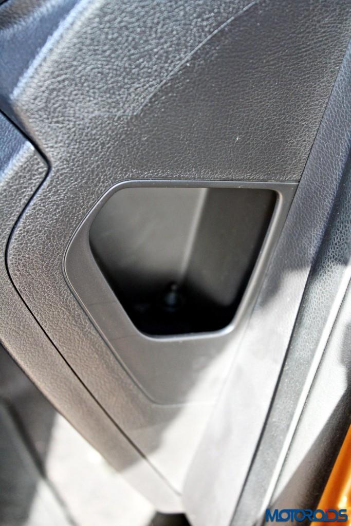 new 2015 Ford Figo review details (1)