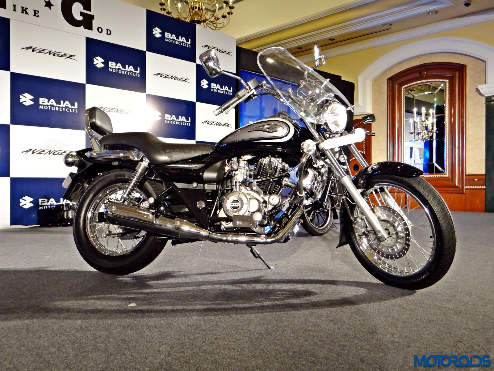 New Bajaj Avenger 220 Cruise Official Release Image Gallery And